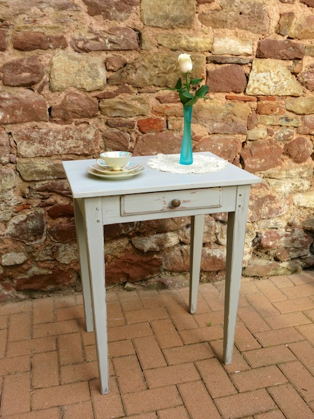vintage_shabby_chic_french_table_ioanastoian.com_3