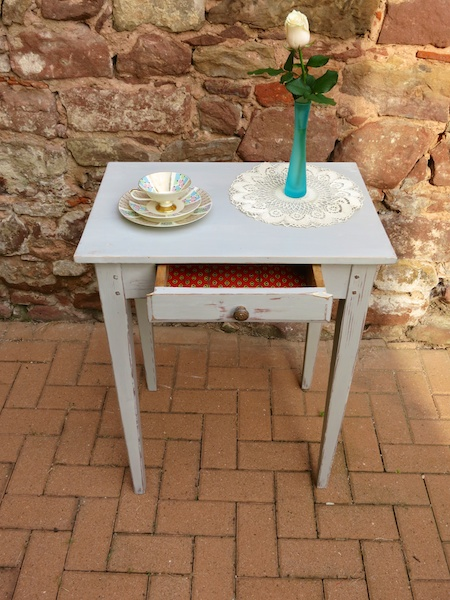 vintage_shabby_chic_french_table_ioanastoian.com_4